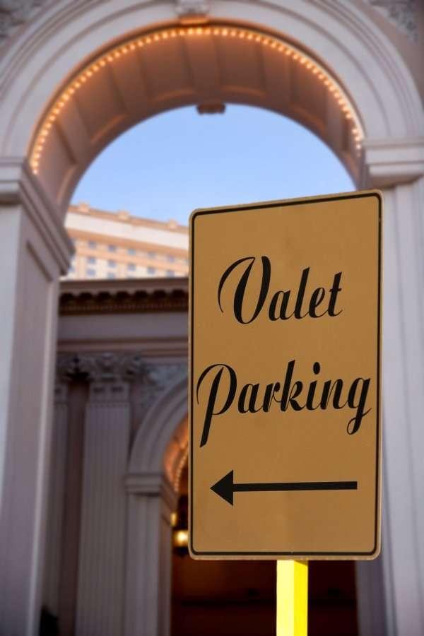 On-demand valet service Zirx sued over workers' independent contractor classification