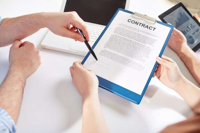 Freelance Agreement: 7 Ways to Protect Yourself