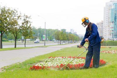 landscape-worker